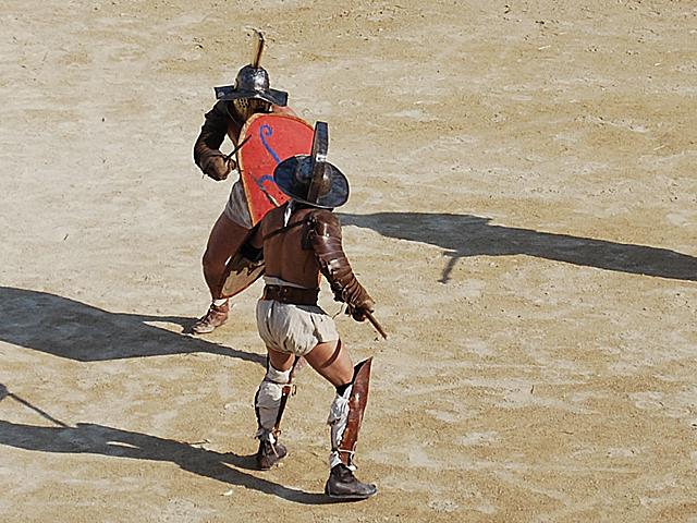 Gladiator-thraex-Nimes