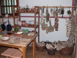 Römer-Küche-Vorräte