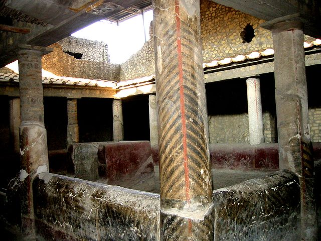 640px-Oplontis_Peristyl_room32